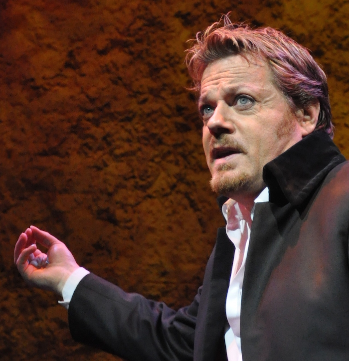 Eddie Izzard was the first stand-up comedian to perform in multiple languages.